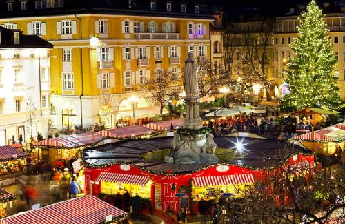 View-christmas-market-bolzano