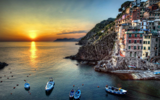 Sun-sets-on-italian-marinas