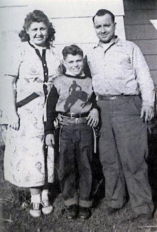 Holster&gun w- Gladys&Tony